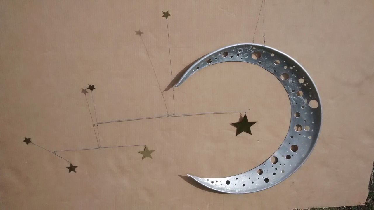 Flying Saucer Moon andStars